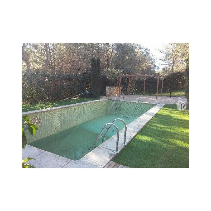 Maison t5 de 240 m2 gilet piscine 339 000 for Translate piscine